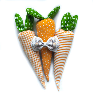 2 inch Peter cottontail vegan bow