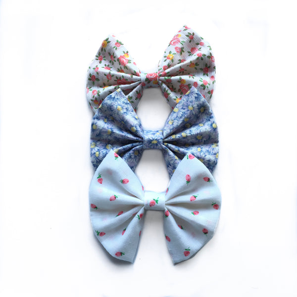 Spring floral fan bow