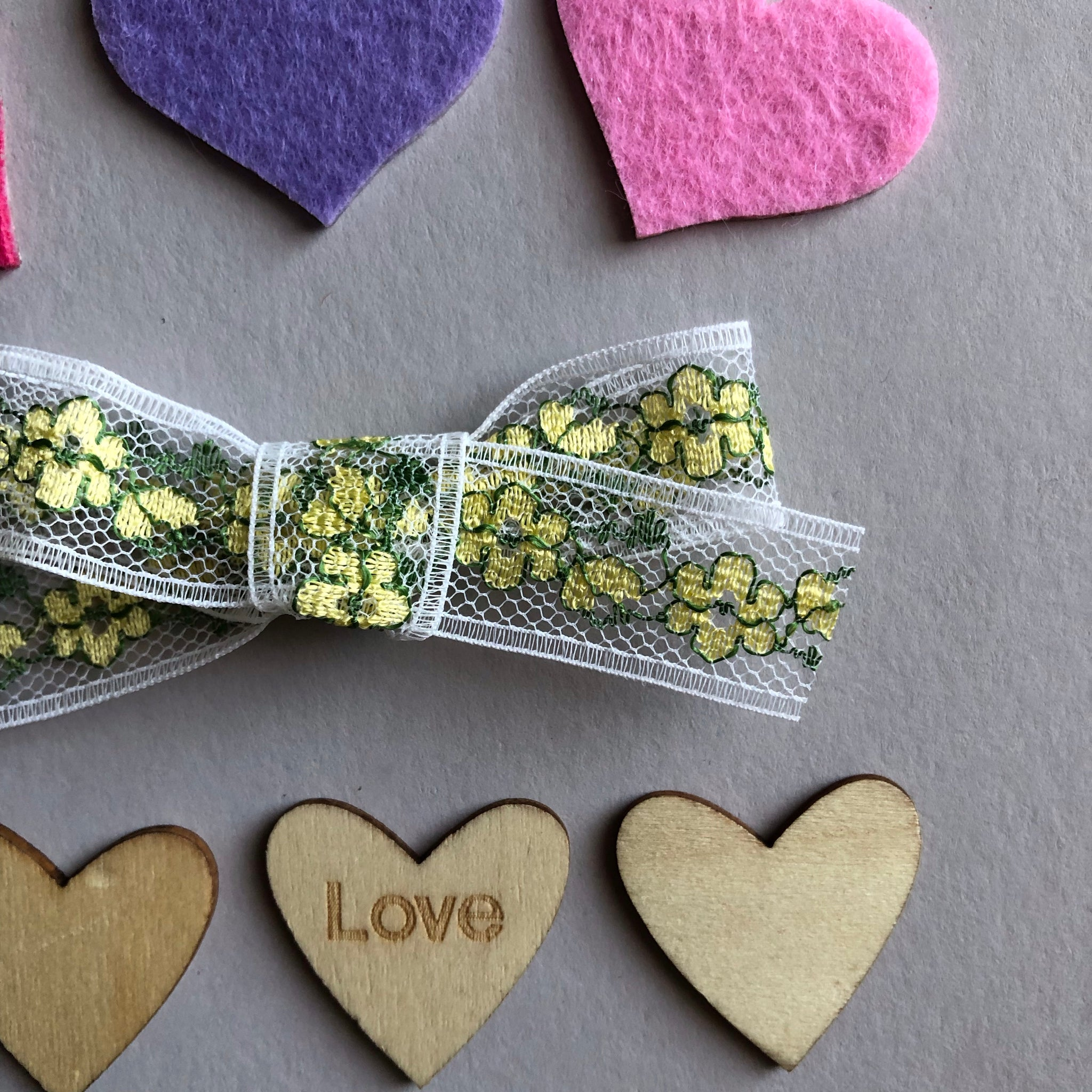 Vintage St paddy's lace bow