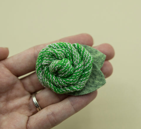 Vintage green sweater rose - 2.5 inch- MTL