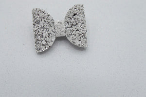 Silver snow peaks bow - ruby snow
