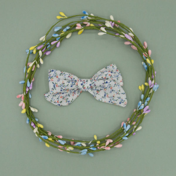 Vintage white tiny floral Elloise Bow 4inch - HOPE