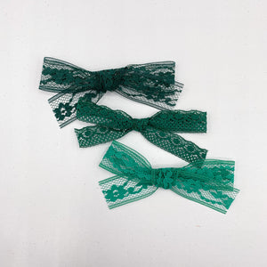 Vintage lace bows - 3 inch approx - VLC
