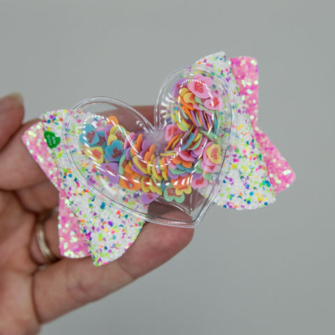 Chatty hearts shaker sparkle Quinnlee Bow - kind