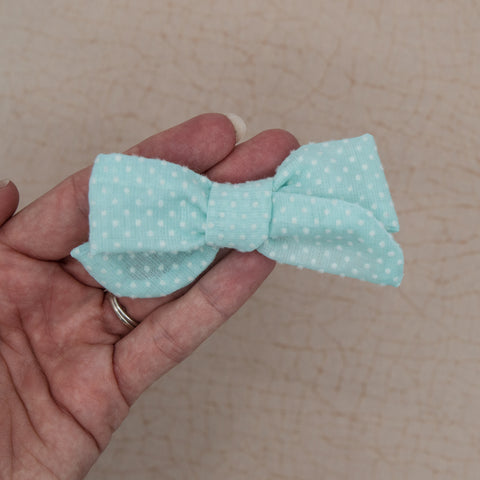 Blue dotted Swiss Elloise Bow 3 inch - vintage - M21 -