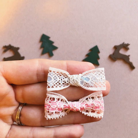 Vintage lace mini bows