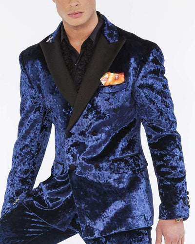 Velvet suit with black lapel and flap pockets in navy color