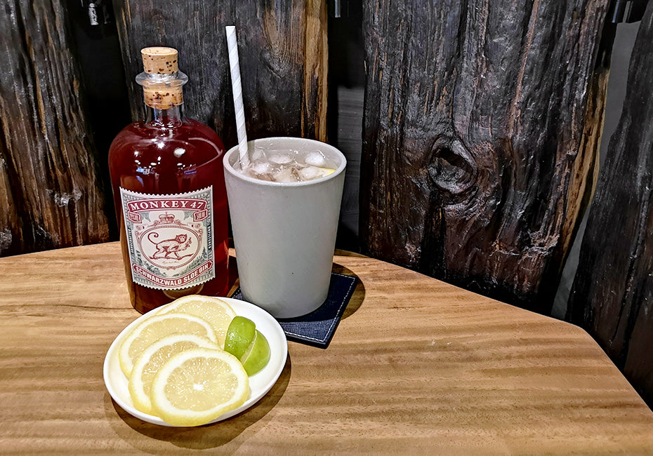 How to make a Monkey 47 Sloe Gin & Soda