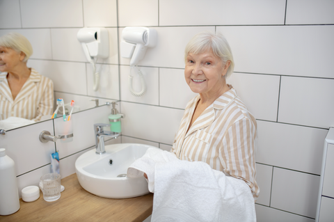 Shower chairs, toilet frames and more! Bathroom and toilet aids to prevent falls in your bathroom