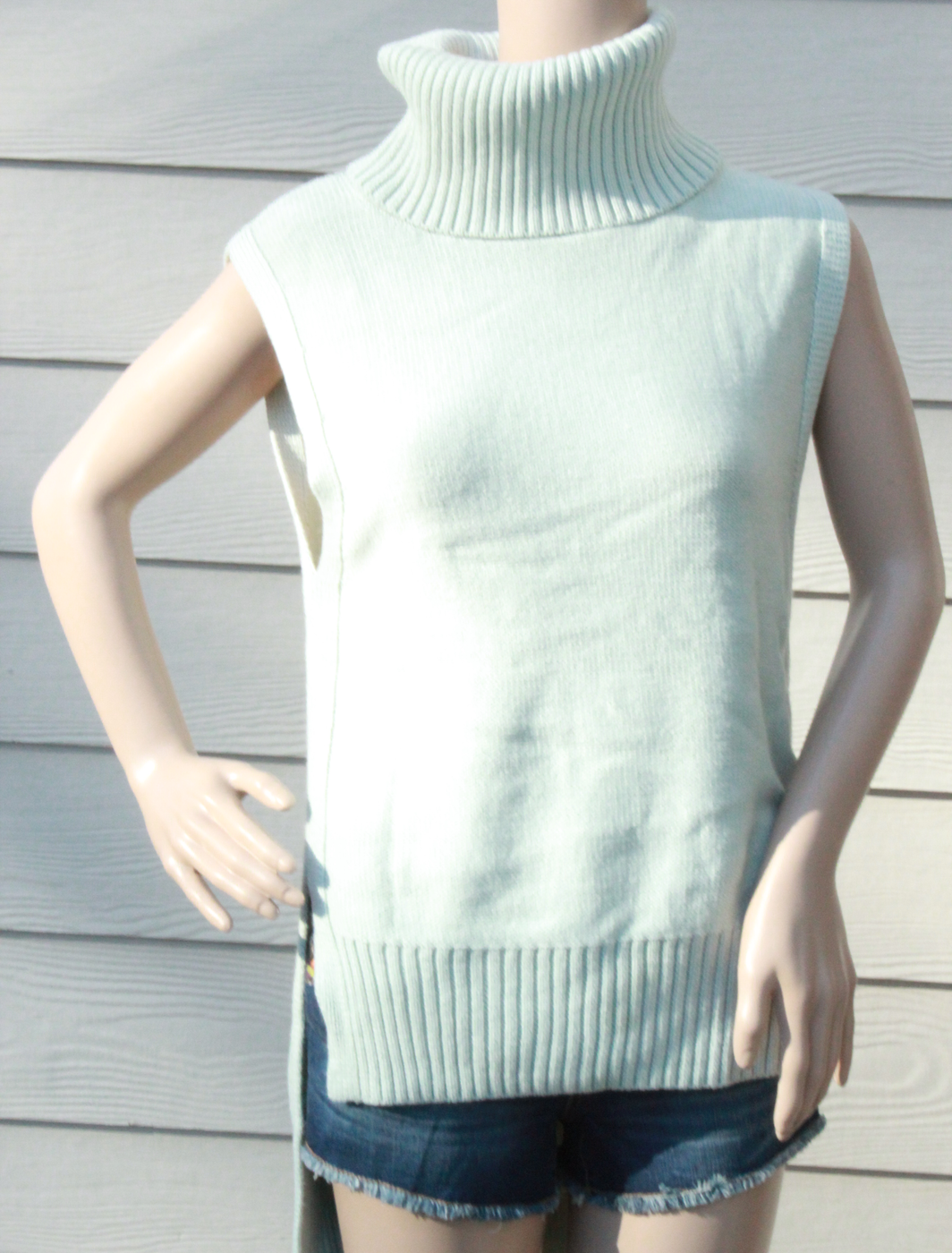 e0a9d148b8b Banana Republic Sleeveless Turtleneck Sweater