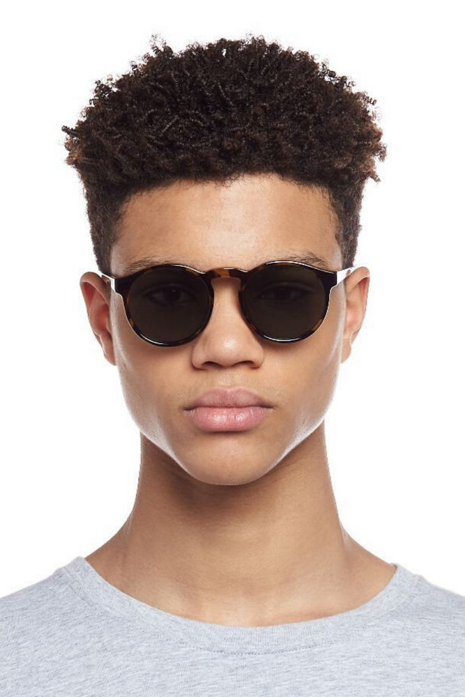 le specs online polarised sunglasses beach town ballina byron bay