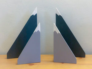 Mountain style bookends