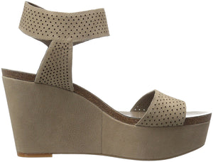 Vince Camuto Women's Valamie Wedge Sandal