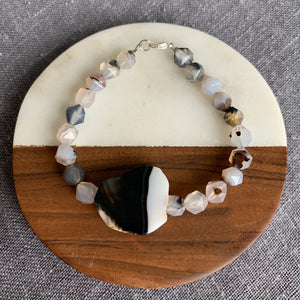 Agate Bracelet with Accent Stone and Clasp