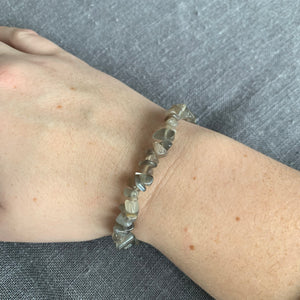 Brazilian Grey Moonstone Chip Bracelet