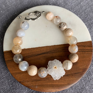 Stalactite Bracelet with Agate and Pretty Toggle