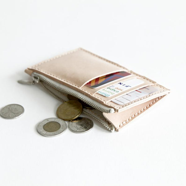 Card Wallet in Vegetable-tanned Leather