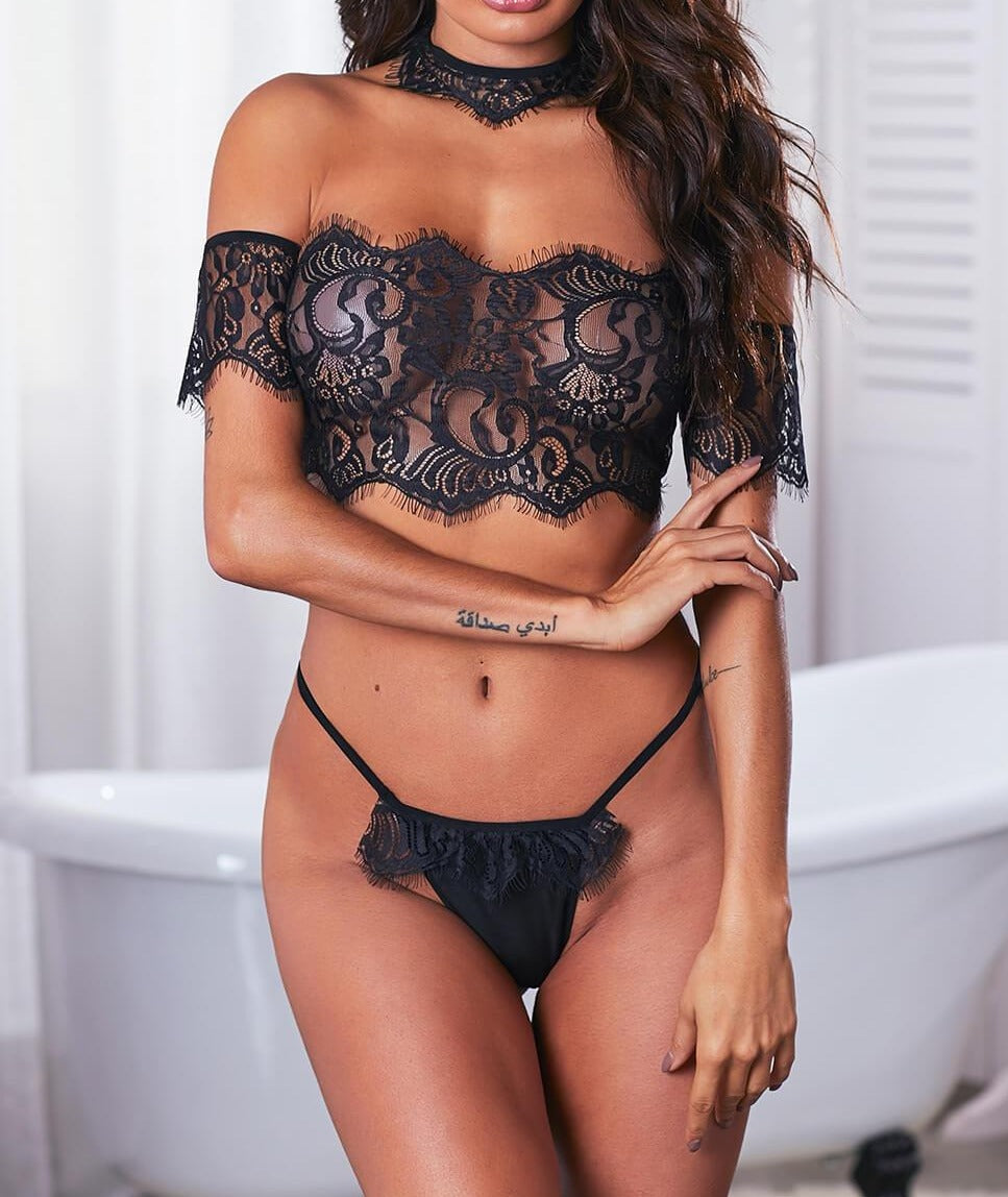 Off Shoulder Lace Bralette Lingerie Set with Choker