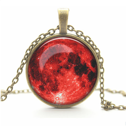 Full Moon Pendant Chain Red