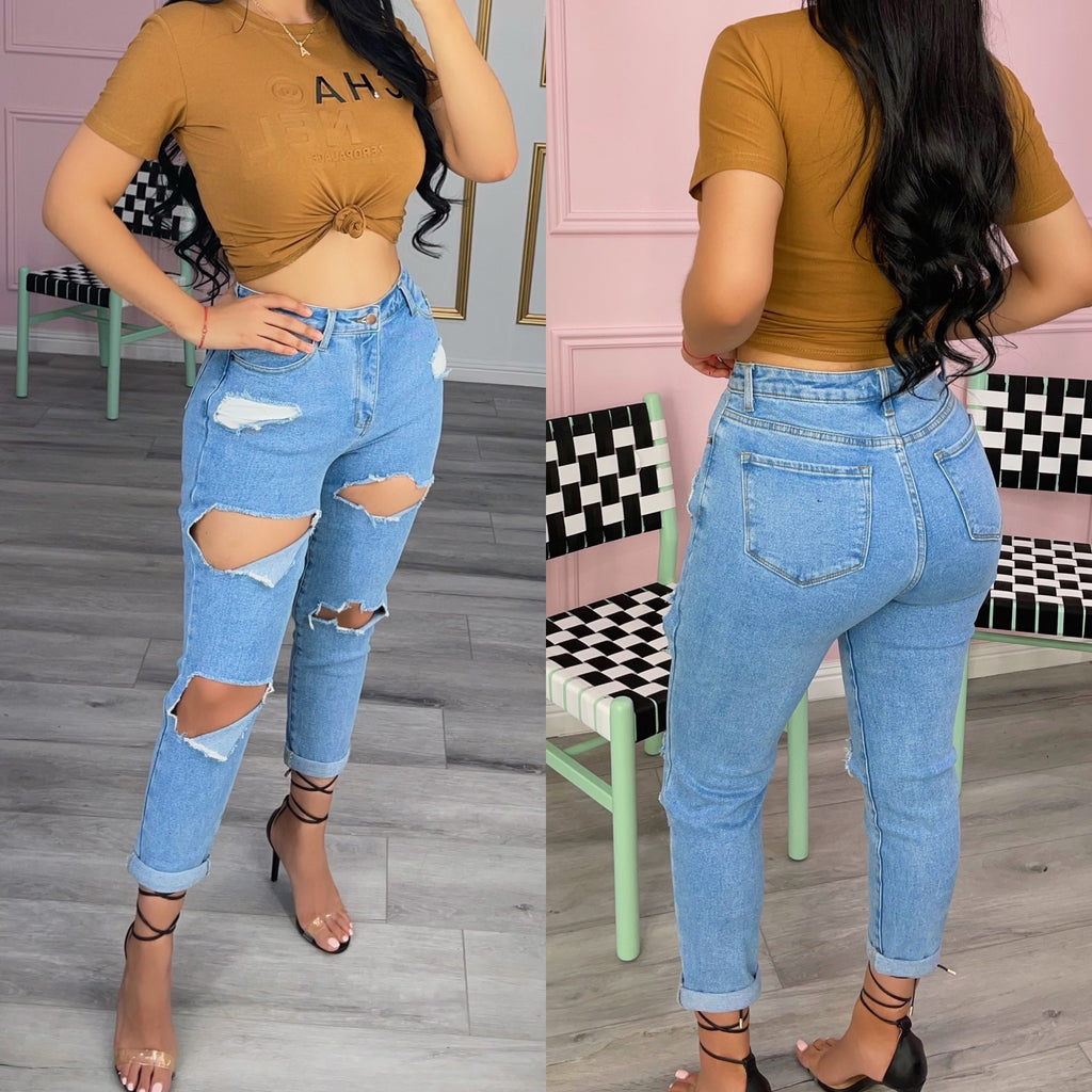 Distressed mom jeans-light blue