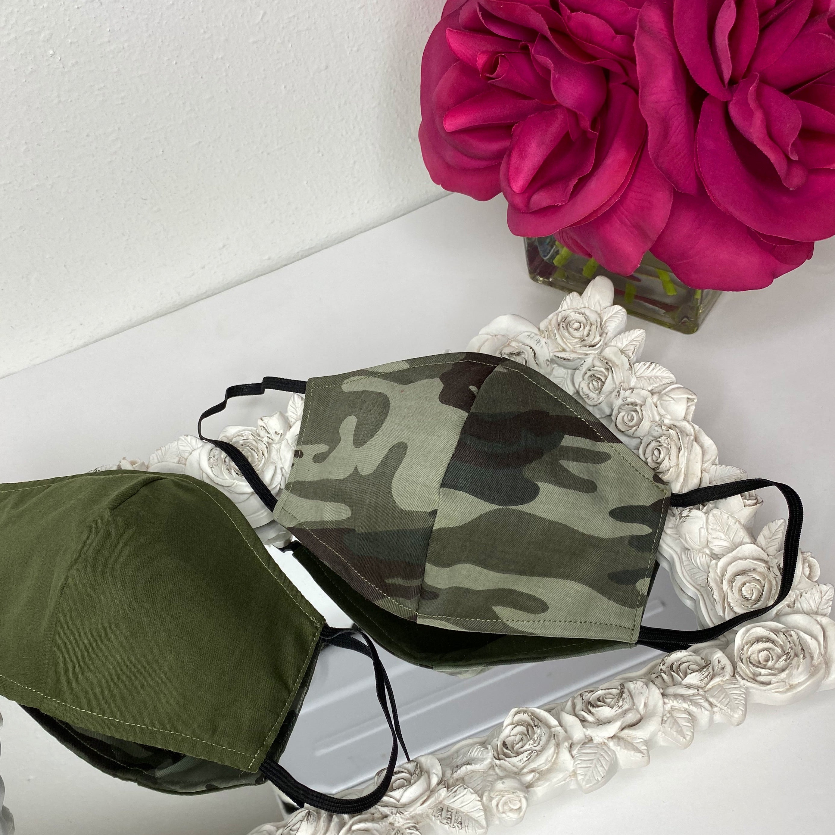 Green camouflage mask with filter reversible