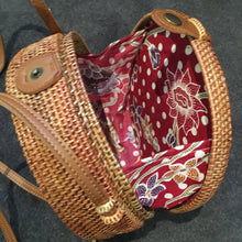 Rattan Roundie bag with Batik cotton ling (style 3)