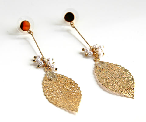 Dangling Gold Leaf Earrings