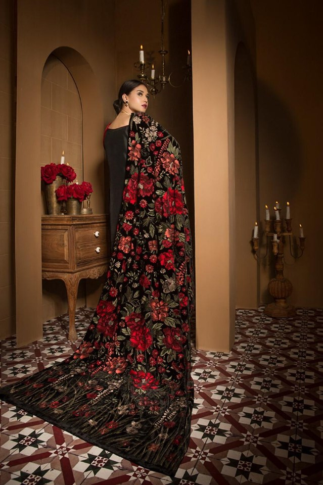 Bareeze BRS-05 Embroidered Heavy Velvet Shawl Winter Collection