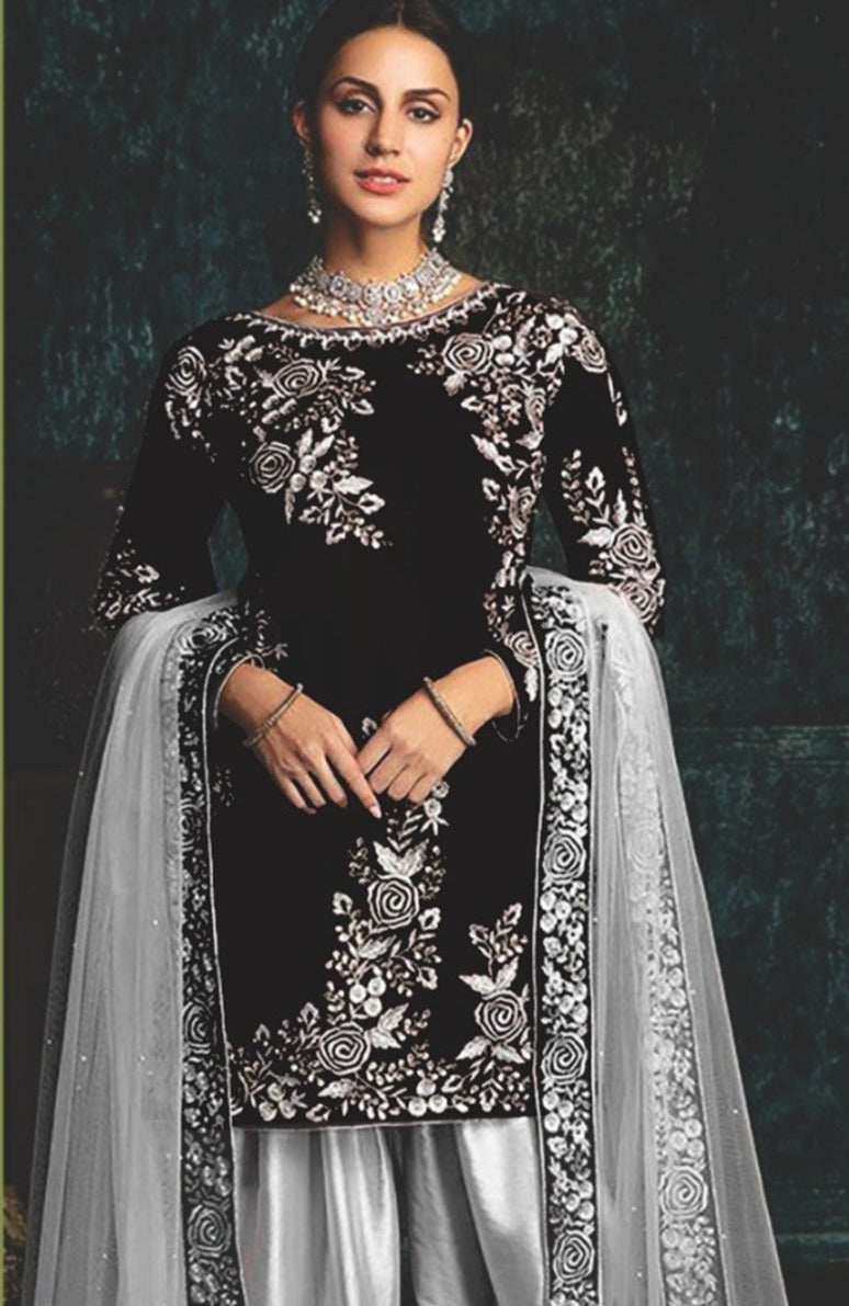 Zainab Chottani ZC-42 Black Embroidered Velvet Three piece Winter Collection