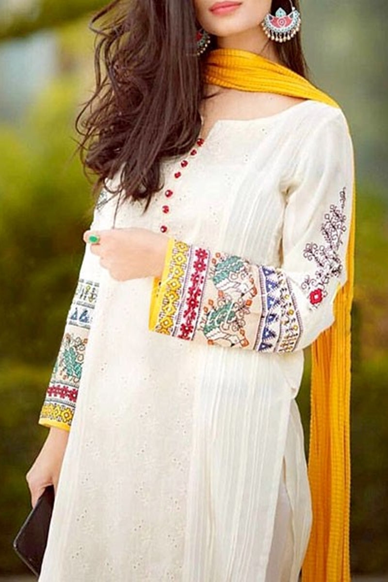 Bareeze BR-452 White  Embroidered Linen  Three Piece Winter Collection