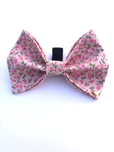 Every Girl Loves Flowers Bow (pink)