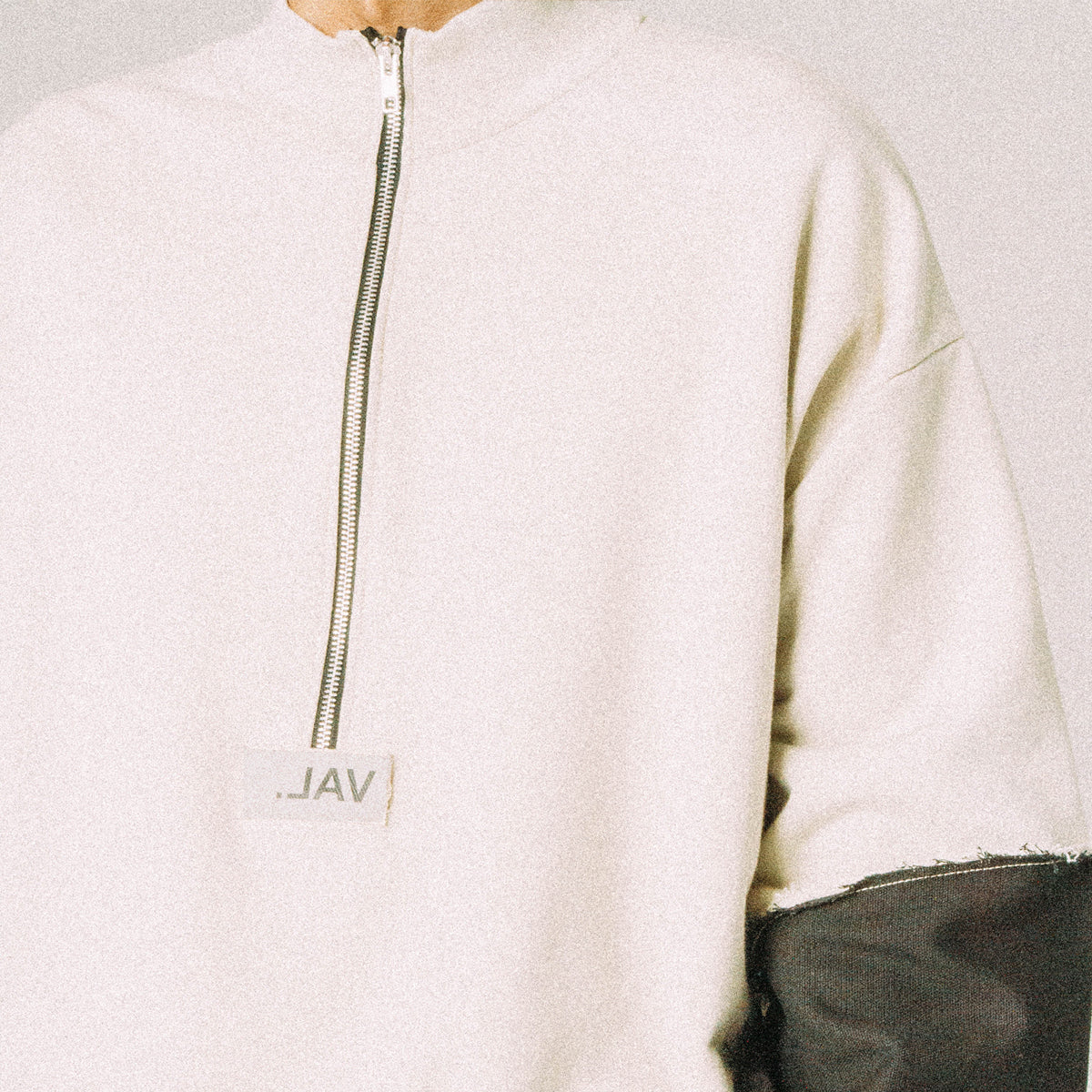 TWO TONED ZIP UP MOCKNECK