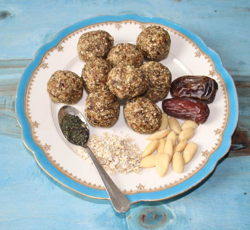 Date and Almond Seaweed Energy Balls, using Seaweed Boost