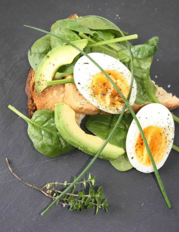 Egg, Avocado, Seaweed and Spinach Salad, using Seaweed Boost