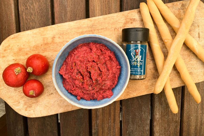 Beetroot, seaweed and cannellini dip