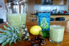 Cucumber, lemon and seaweed detox smoothie