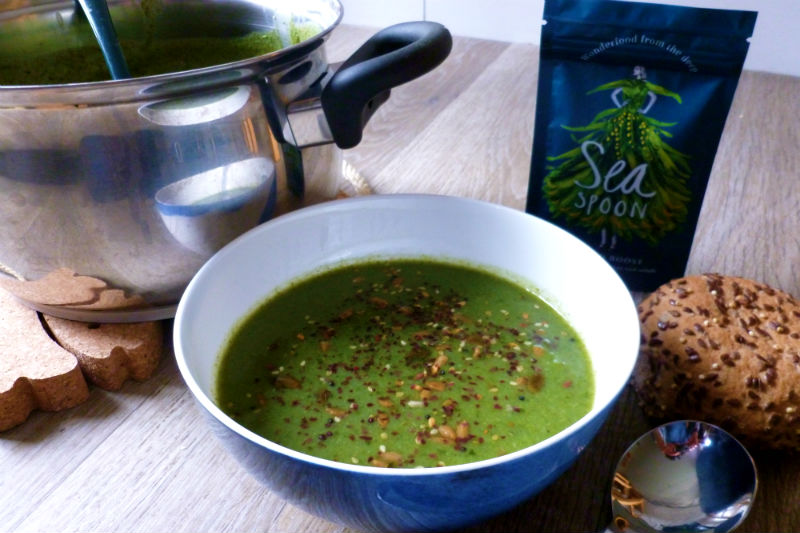 Green detox soup - Broccoli, Kale & Seaspoon Seaweed Boost