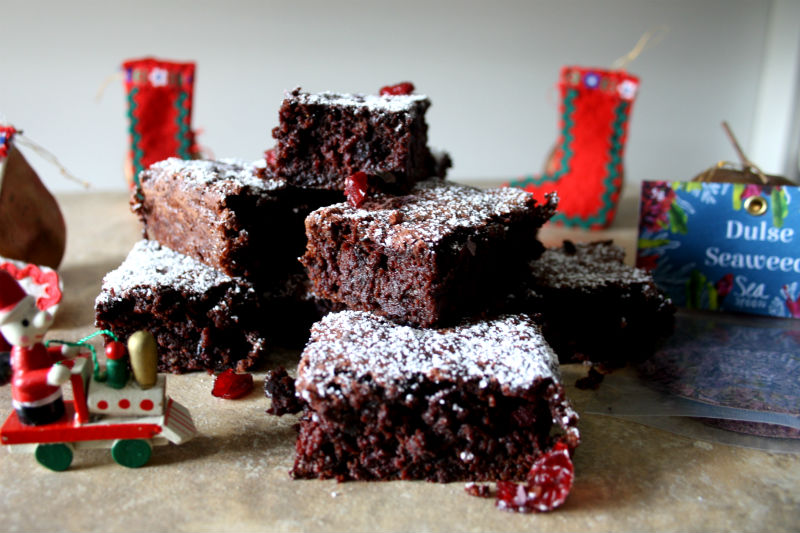 cranberry and seaweed flourless brownie