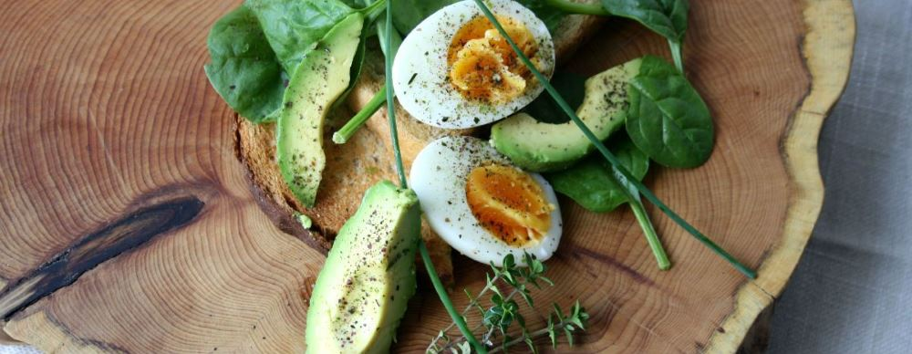 hard boiled eggs with avocado and Seaspoon edible seaweed