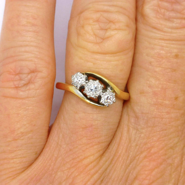 Vintage 18ct Platinum Diamond 3 stone engagement ring