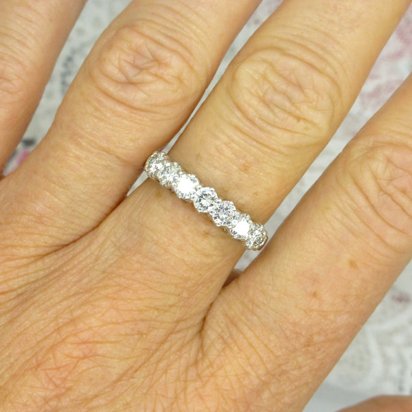 Vintage 18ct white gold seven stone Diamond band 1.00 carat