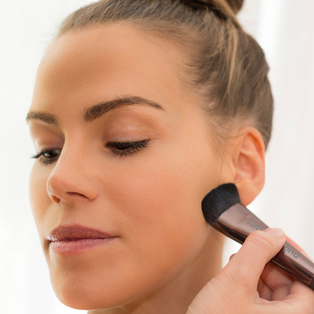 5 QUICK MAKE-UP TOUCH-UP TIPS