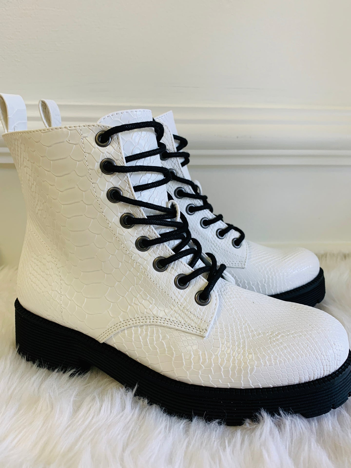 Matisse / Lotus White Boot