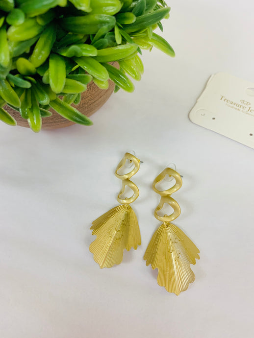 Dangling Leaf Earring