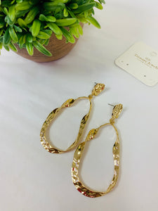 Gold Dangling Drop Earring