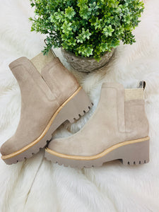 Dolce Vita / Huey Boot in Almond Suede