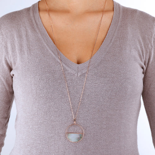 worn Circle Pendant Necklace