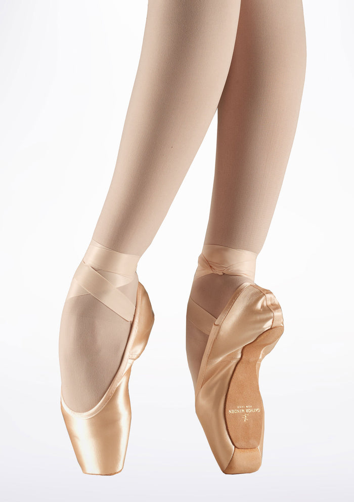 Gaynor Minden Pointe Shoe Classic (CL) 4 Extra Flex (X) Pink