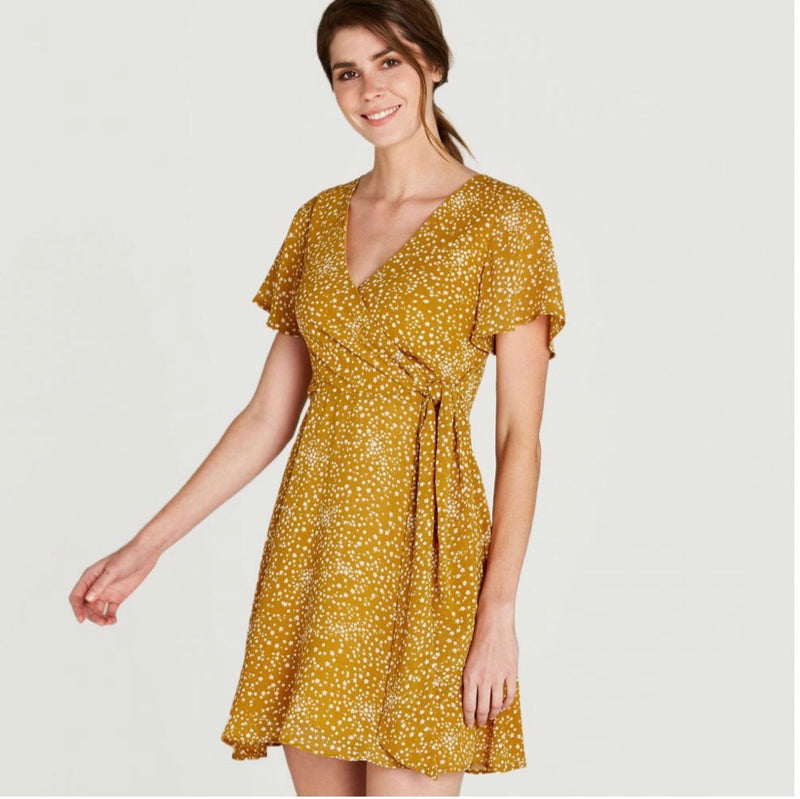 YELLOW STAR PRINT TIE FRONT DRESS
