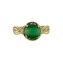 Load image into Gallery viewer, Green Cats Eye Ring